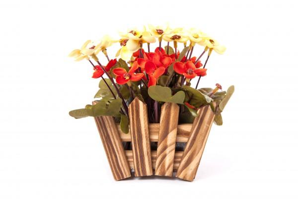 Květ umělý v zahrádce